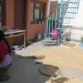 Gewürze trocknen in Baghwans Haus